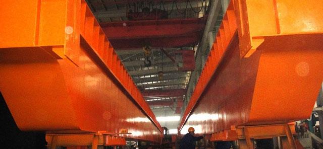 300吨行吊